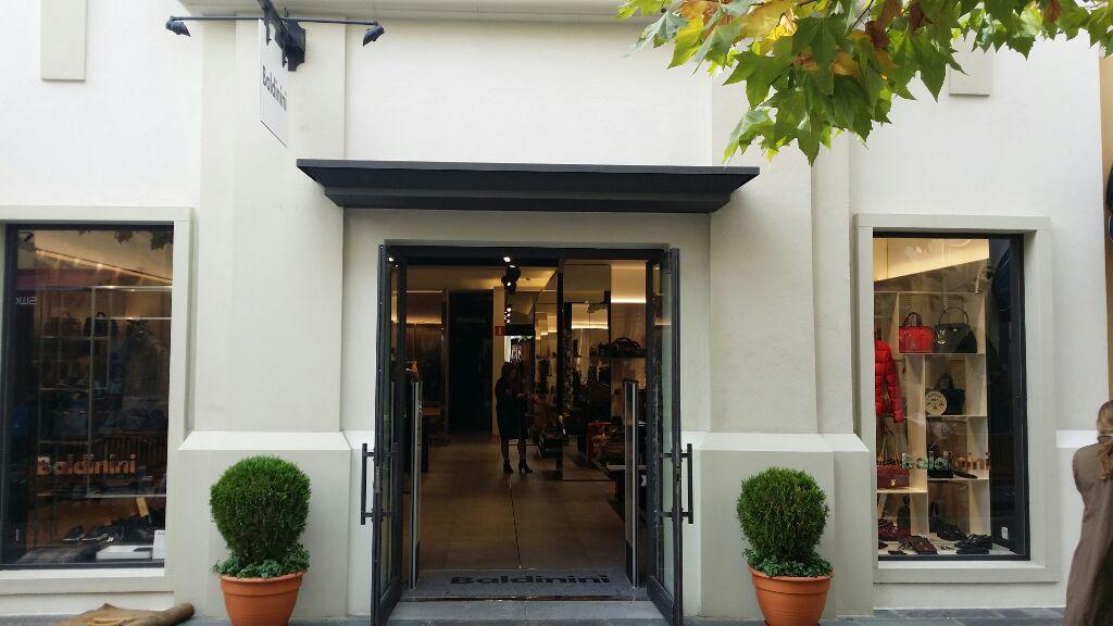 proyectos_locales_comerciales_oficinas_Baldinini02