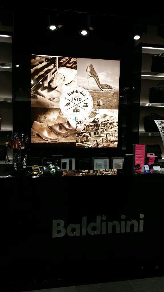 proyectos_locales_comerciales_oficinas_Baldinini08