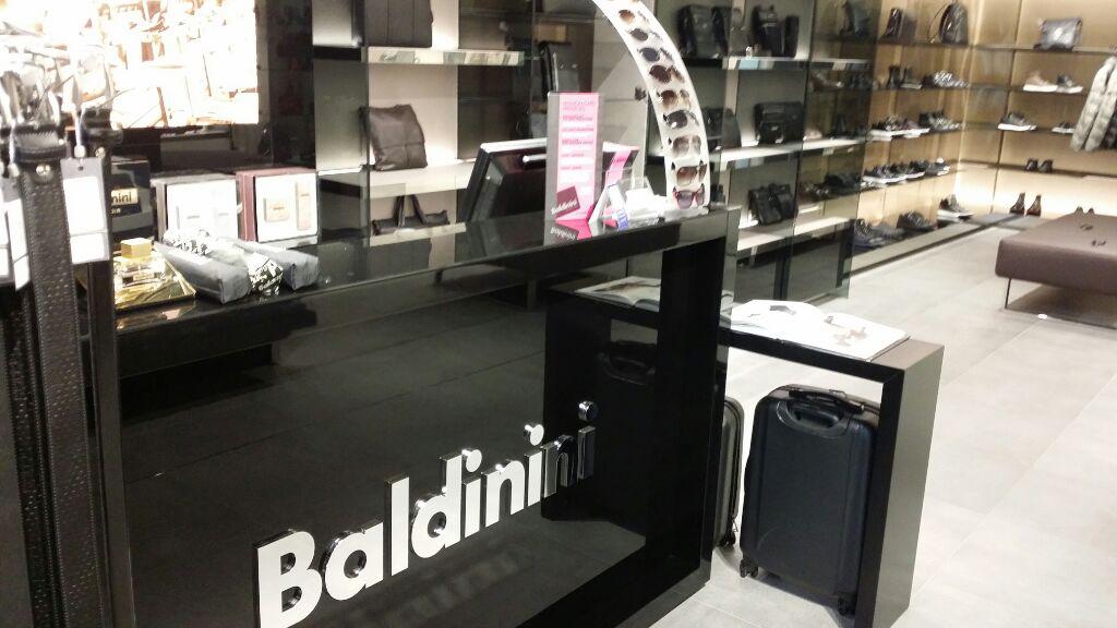 proyectos_locales_comerciales_oficinas_Baldinini10