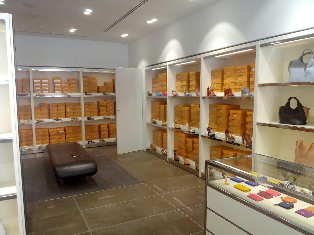 reformas_globales_locales_comerciales_oficinas_RocaVillage Barcelona03