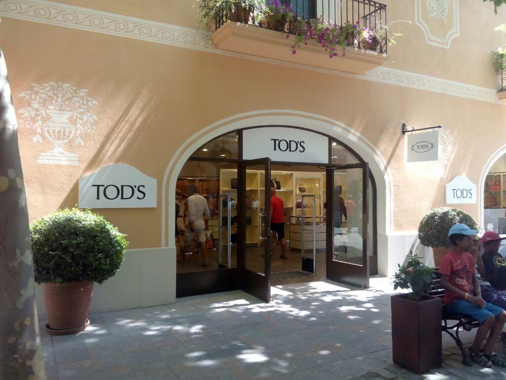 reformas_globales_locales_comerciales_oficinas_RocaVillage Barcelona07