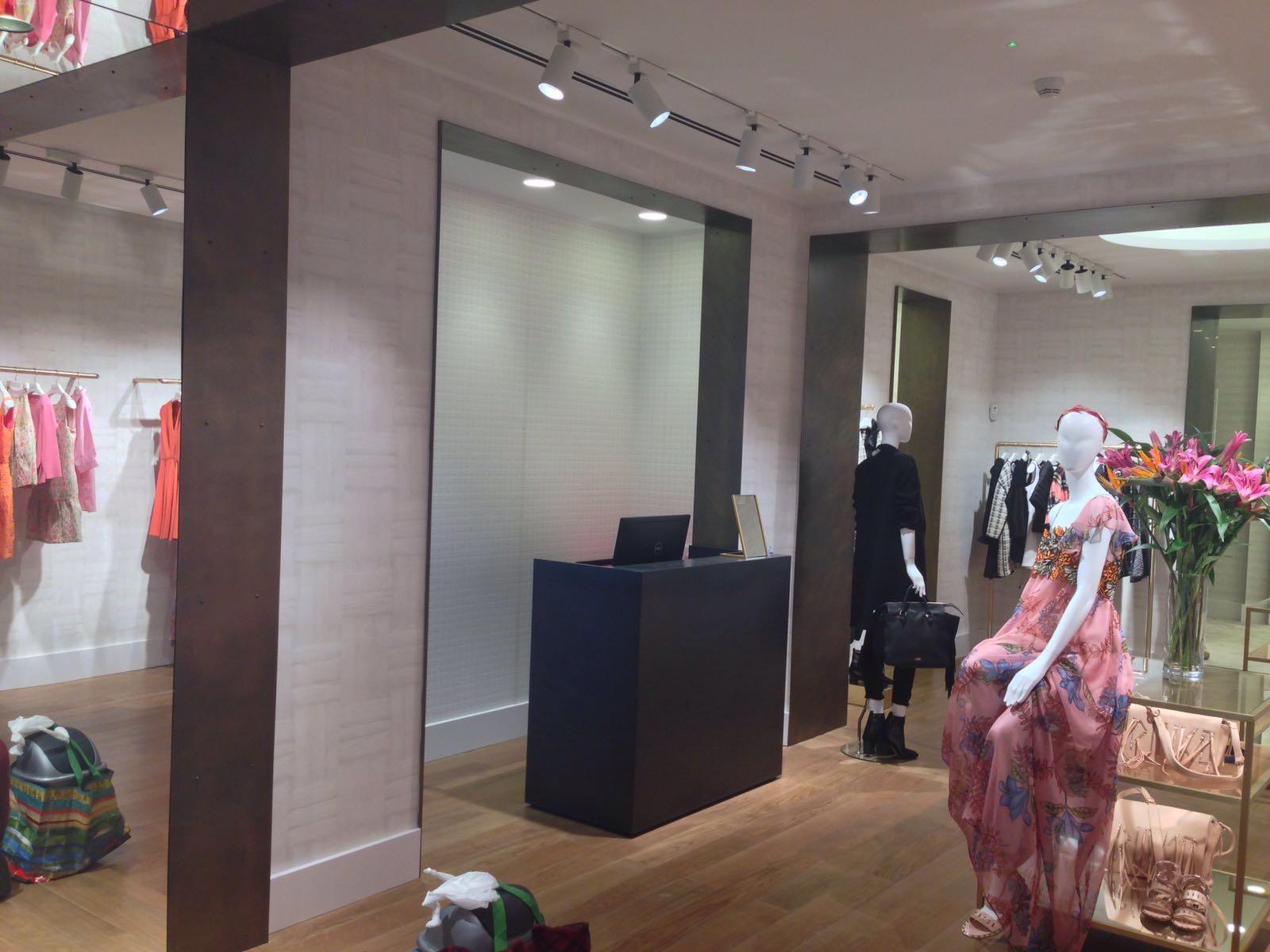reformas_locales_comerciales_oficinas_pinko paseo gracia07